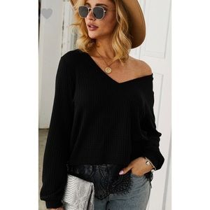 🆕 Black Waffle Knit V-neck Top with Lace Hem